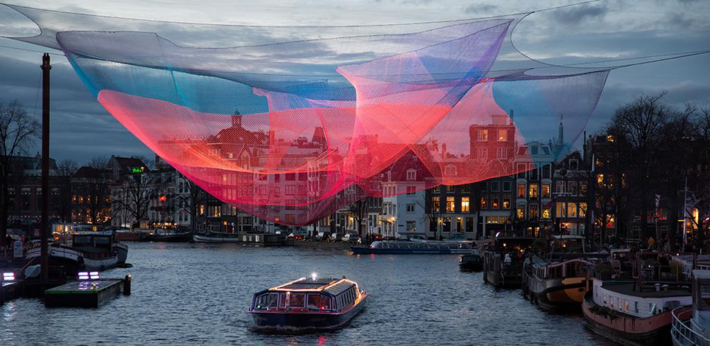 Amsterdam Light Festival - Sculpture above the water