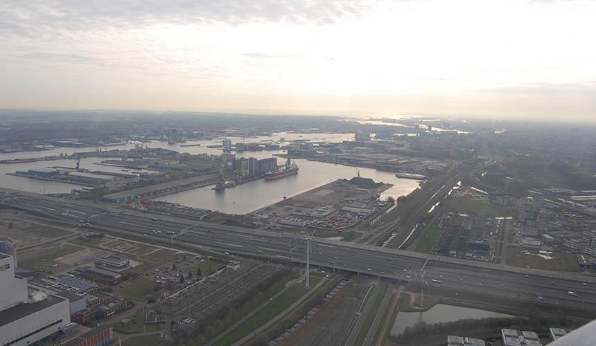 Helikopter boven Amsterdam